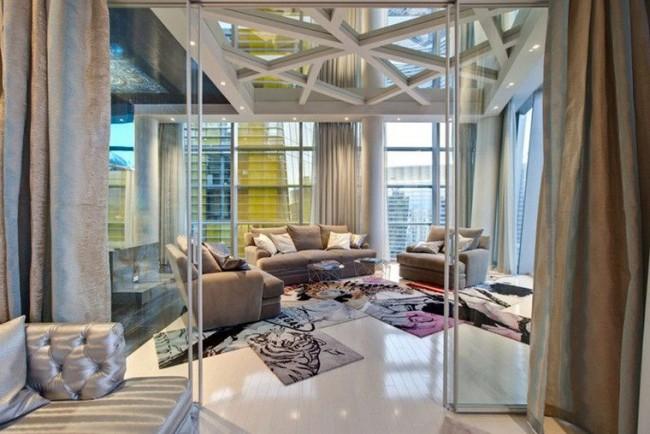 Зеркальные потолки являются довольно популярным элементом дизайна интерьеров