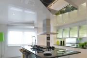 Фото 35 Роскошные зеркальные потолки в интерьере (90+ фото): лучшие идеи и советы дизайнеров