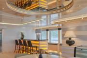 Фото 36 Роскошные зеркальные потолки в интерьере (90+ фото): лучшие идеи и советы дизайнеров