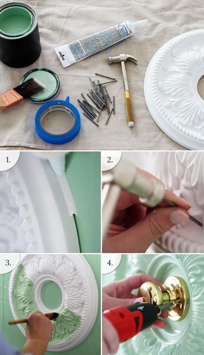 Обновляем простую дверь и придаем ей богемного шика с помощью полиуретановой розетки для люстр и краски мятного цвета. Пошаговая фотоинструкция