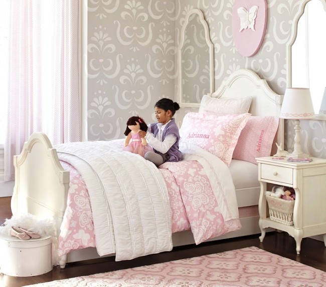 Красивый элегантный рисунок в комнате маленькой леди
