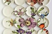 Фото 7 Декоративные тарелки на стену: 120+ ярких и запоминающихся фотоидей для уютного интерьера