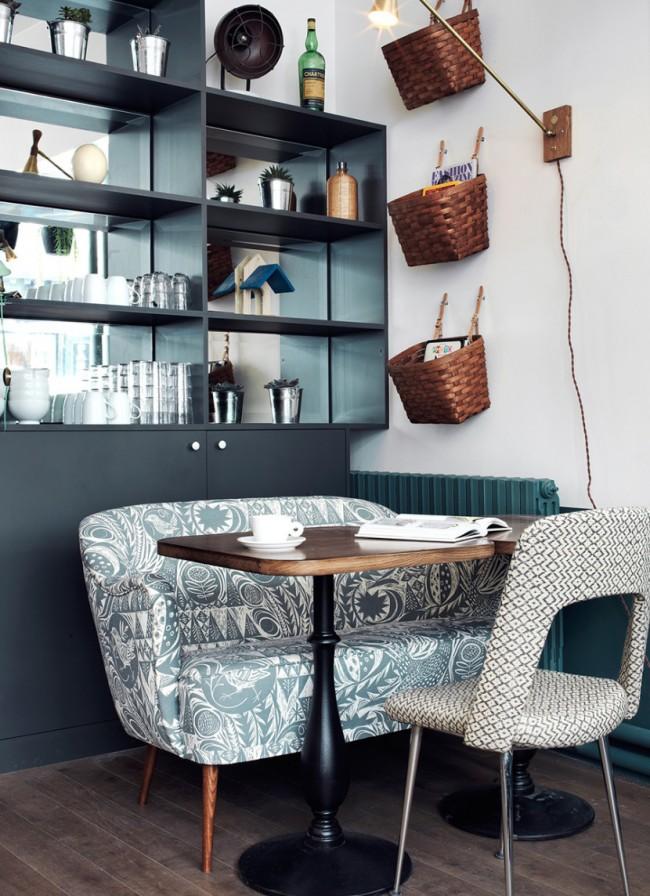 Чтобы клиенты не спешили уйти, мебель должна быть удобной