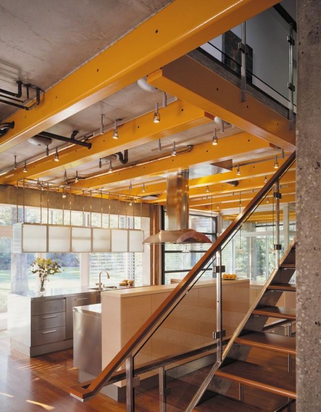 Потолочные балки одинаково уместны для любого помещения, так считают дизайнеры. Главное – решиться на такое конструктивное украшение потолка