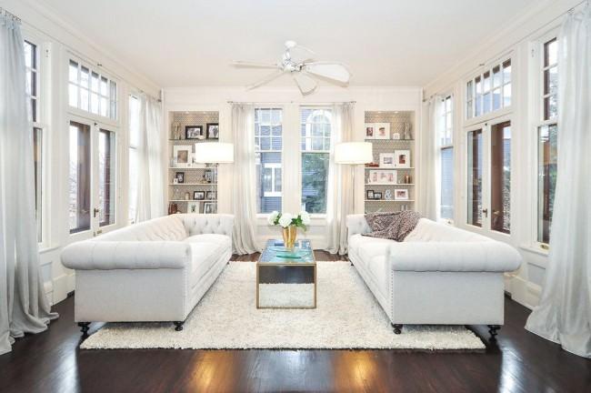 Классическая гостиная, выполненная в этом цвете, восхищает роскошью и элегантностью
