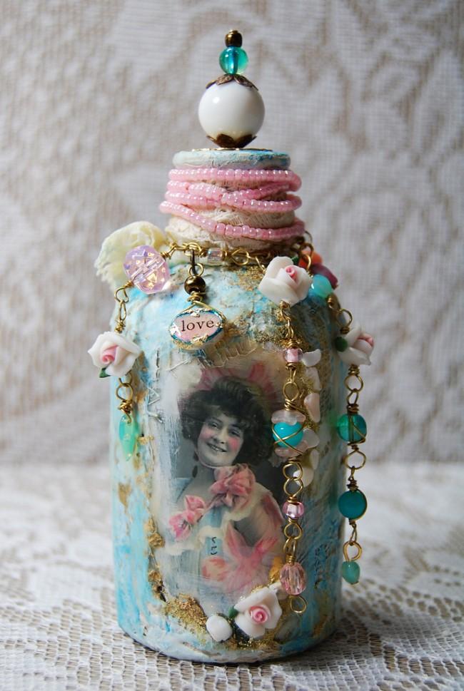 Изысканная декоративная бутылка в стиле бохо