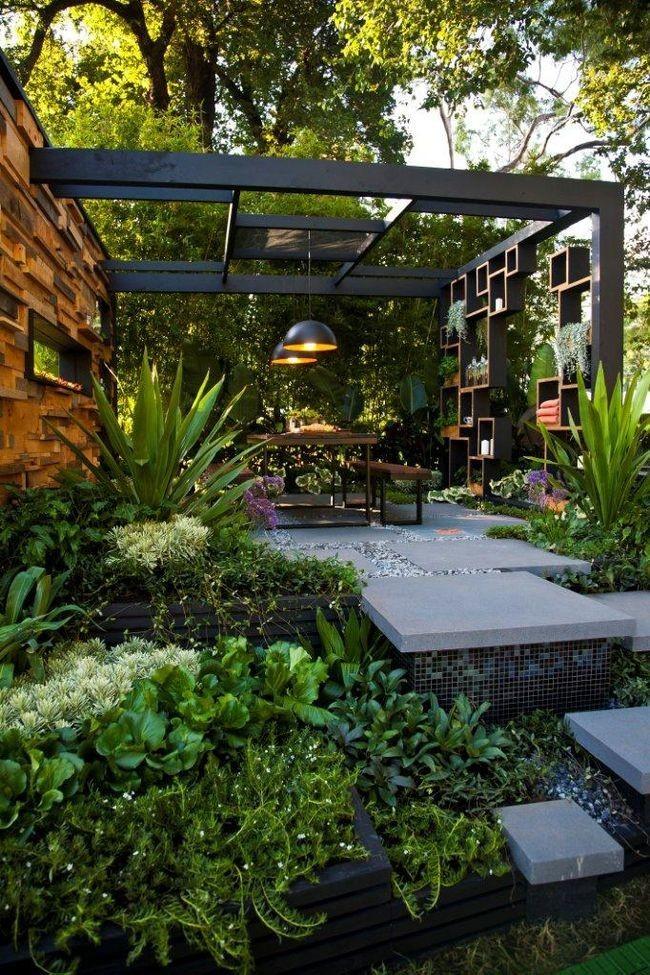 Ландшафтный дизайн сада с оригинальной беседкой
