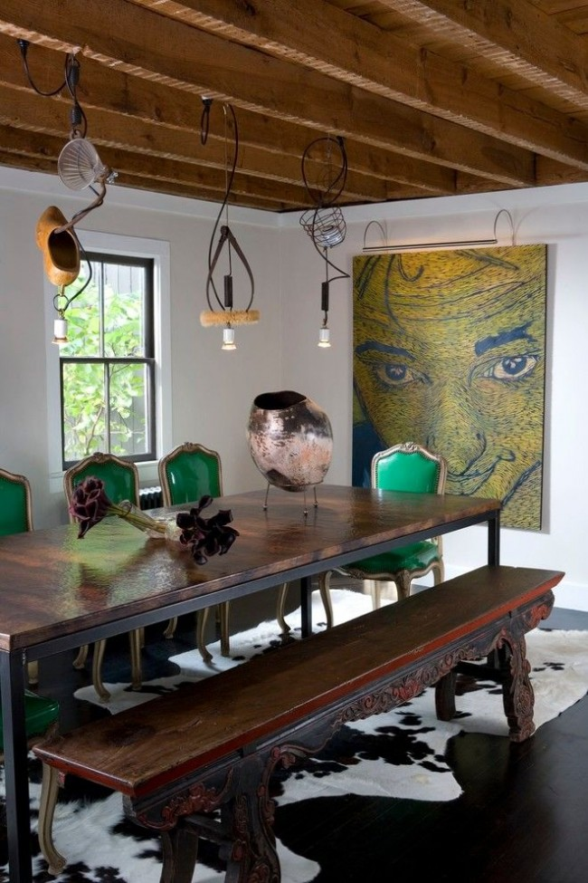 Несколько неординарных светильников в столовой творческого человека