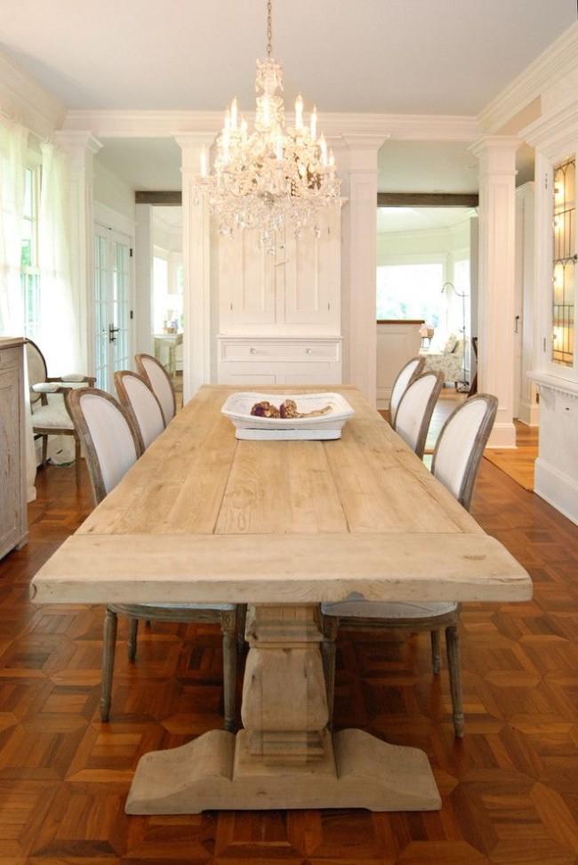Светлая мебель в столовой в стиле прованс