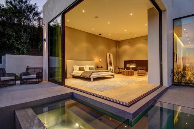 Окна-двери помогут визуально расширить размеры комнаты