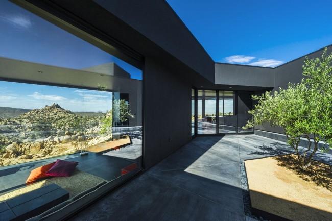 Шикарный загородный дом с панорамными окнами