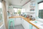 Фото 14 Голубая кухня (100+ фото небесных интерьеров): стильный дизайн для бело-голубых и серо-голубых кухонь