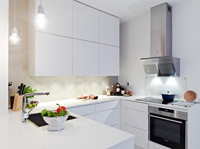 Даже небольшая кухня будет выглядеть красивой и стильной, если правильно продумать ее ремонт