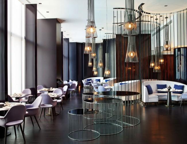 Стильный хай-тек интерьер роскошного ресторана