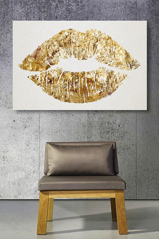 """Простой """"отпечаток губ"""" – креативное украшение интерьера"""