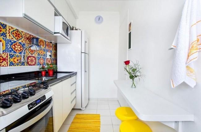 Увеличение размера кухни возможно при уменьшении ванной комнаты