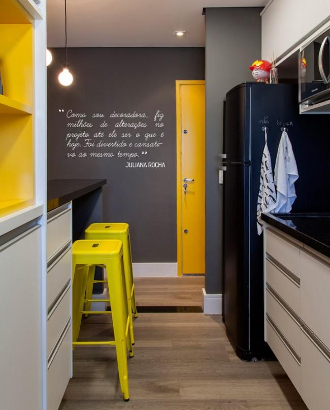 Небольшая, но удобна и стильная кухня в хрущевке