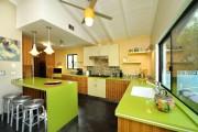 Фото 6 Современные кухни с островом: 100+ функциональных и стильных вариантов дизайна на любой бюджет