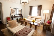 Фото 27 Оттоманка в интерьере (100+ фото): обзор моделей диванов с оттоманками для современной квартиры