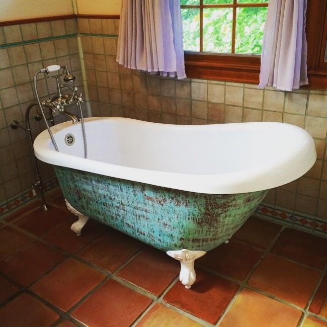 Элегантная ванна с патиной