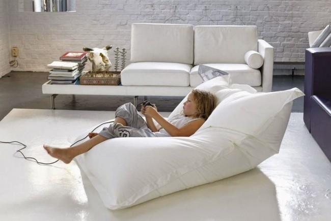 Бескаркасная мягкая мебель на сегодняшний день набирает популярность
