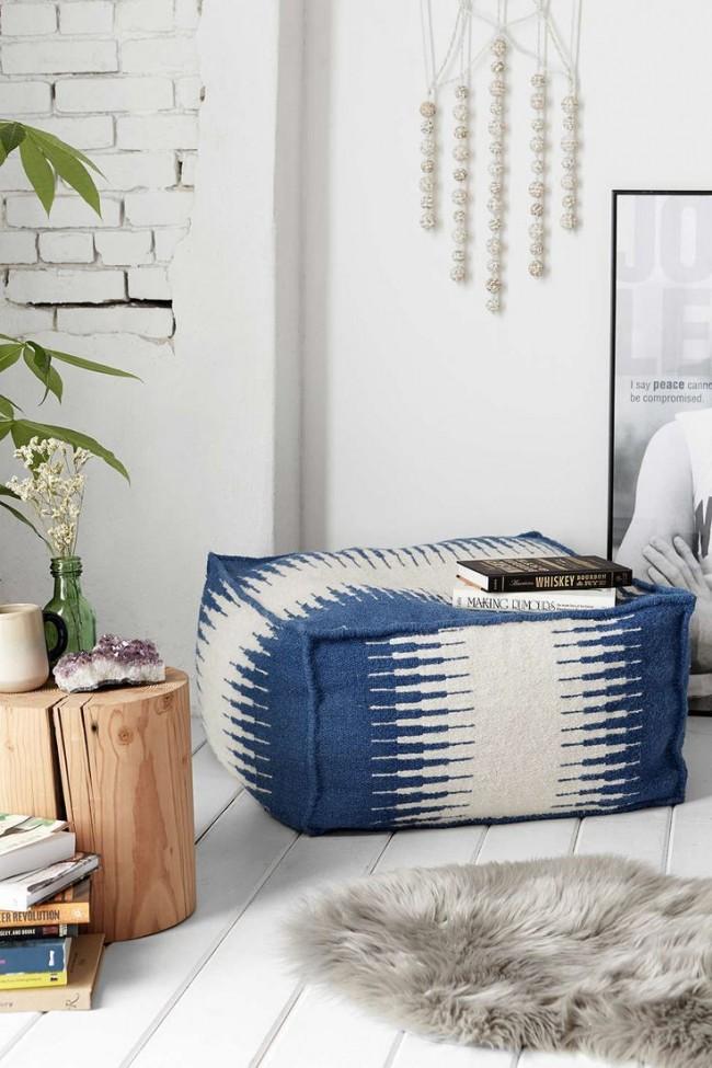 Такой элемент мебели способен добавить интерьеру свежести, простора и легкости