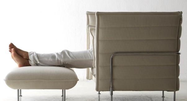 Могут быть использованы и как дополнение к дивану или креслу