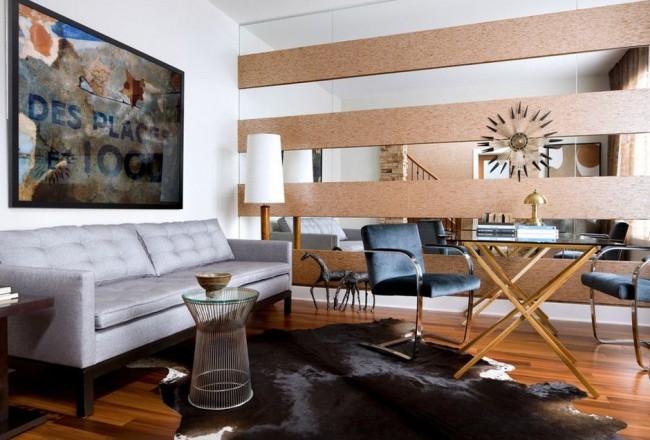 Гармоничное сочетание зеркальных и деревянных панелей