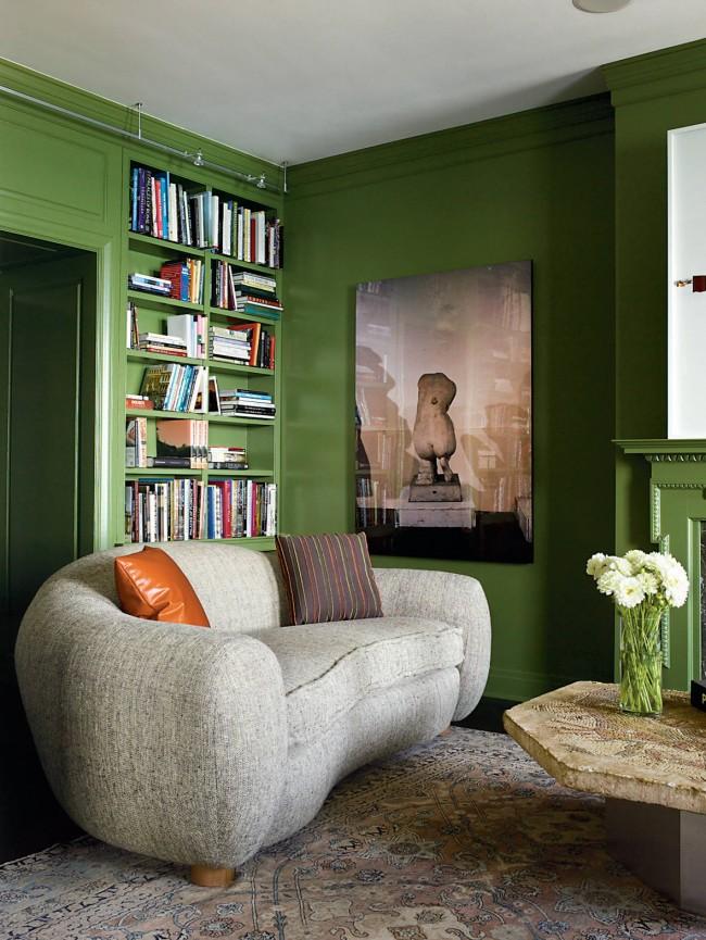 Грубый лен, мешковина, холщовая ткань способны сделать предмет мебели центральным декорирующим элементом