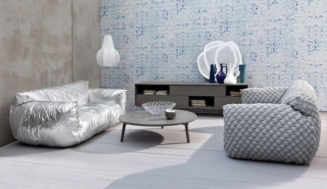 """Существует также множество не предназначенных для обивки тканей,с помощью которых создается экзотически выглядящая дизайнерская мебель. В частности, смело выглядят ткани """"внутреннего"""" назначения - металлизированные, подкладочные и так далее"""