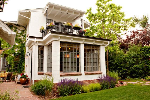 Кирпичный дом в стиле прованс
