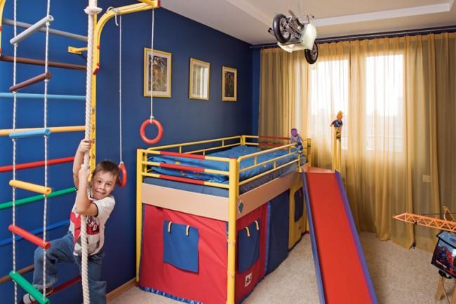 Место для шведской стенки в комнате найти нетрудно, сама по себе она - довольно компактный снаряд