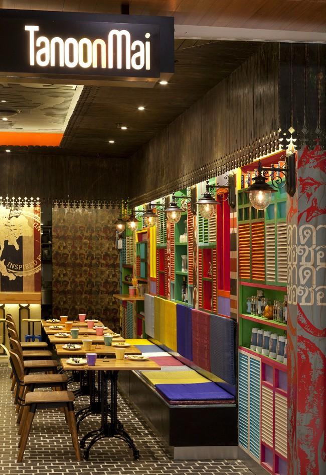 """Ресторан тайской кухни """"Tanoon Mai"""" около Сиднея совмещает черты культуры уличной еды в юго-восточной Азии с элементами европейской колониальной архитектуры"""