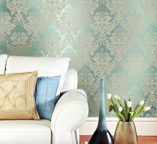 Благородный голубой цвет жидких обоев в гостиной
