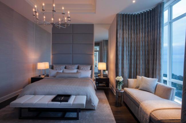 Смесь для жидких обоев содержит безвредные декоративные компоненты волокон, благодаря чему их без опаски можно использовать при отделке стен в спальне
