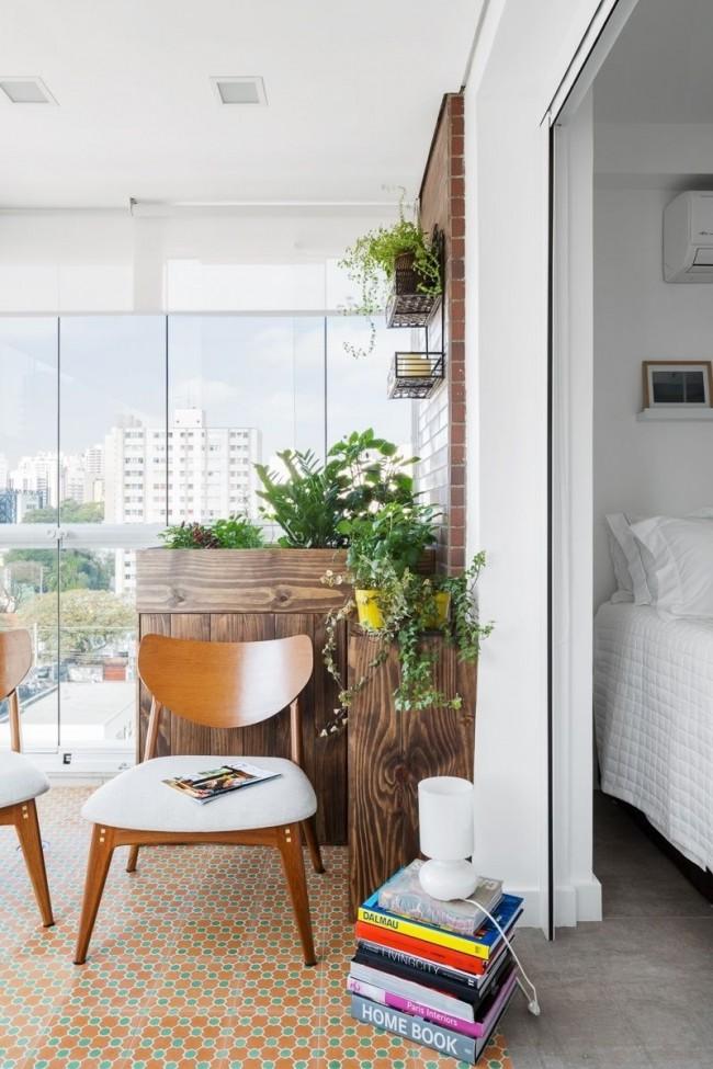 Остекление балкона принесет существенные преимущества для его уютного обустройства