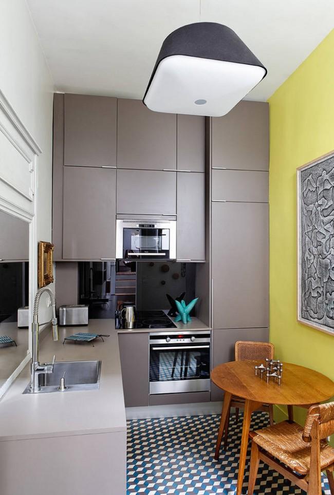 Обилие мелких аксессуаров зрительно сужает границы помещения, поэтому лучше отдать предпочтение минимальному декору