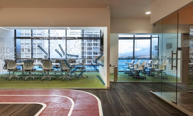 Штаб-квартира японской корпорации Asics в Мехико. Это креативное пространство отражает скорость, движение и высокие технологии - основные ценности компании