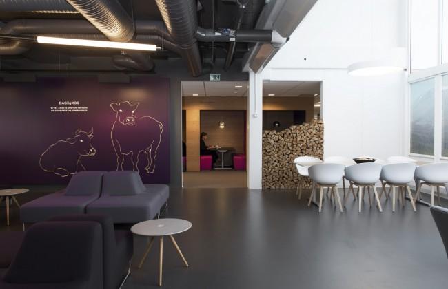 Офис интернет-провайдера, Лиллехаммер, Норвегия. Кроме открытых пространств, здесь много приватных зон для проведения встреч с потребителями услуг и мини-совещаний