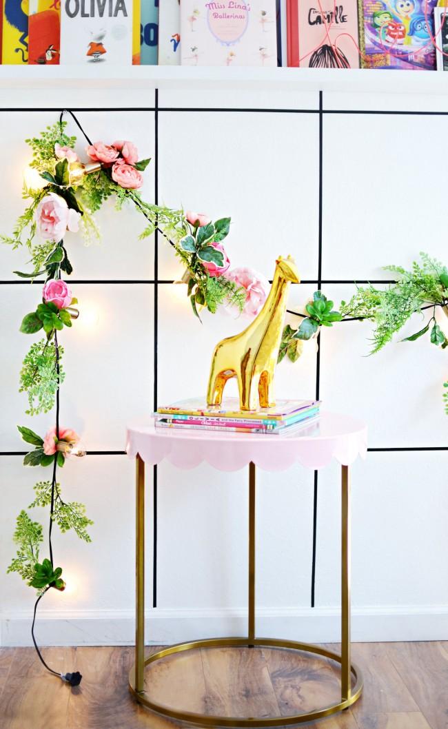 Цветочная гирлянда со светодиодами, подходящая для каждодневного декора комнаты
