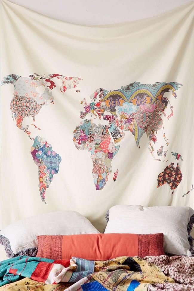 В спальне или гостиной в бохо-стиле отлично будет смотреться такая уникальная карта мира в технике пэчворк