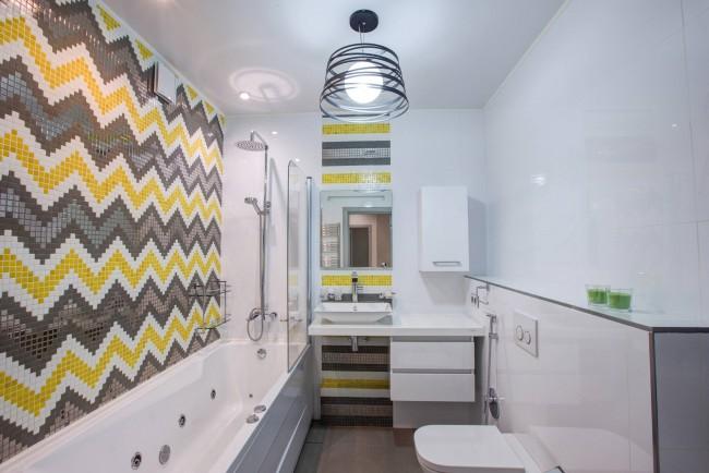 Сочетание белого, серого и желтого цветов в отделке стен. Кстати, именно это сочетание - едва ли не самое распространенное и любимое в скандинавском дизайне
