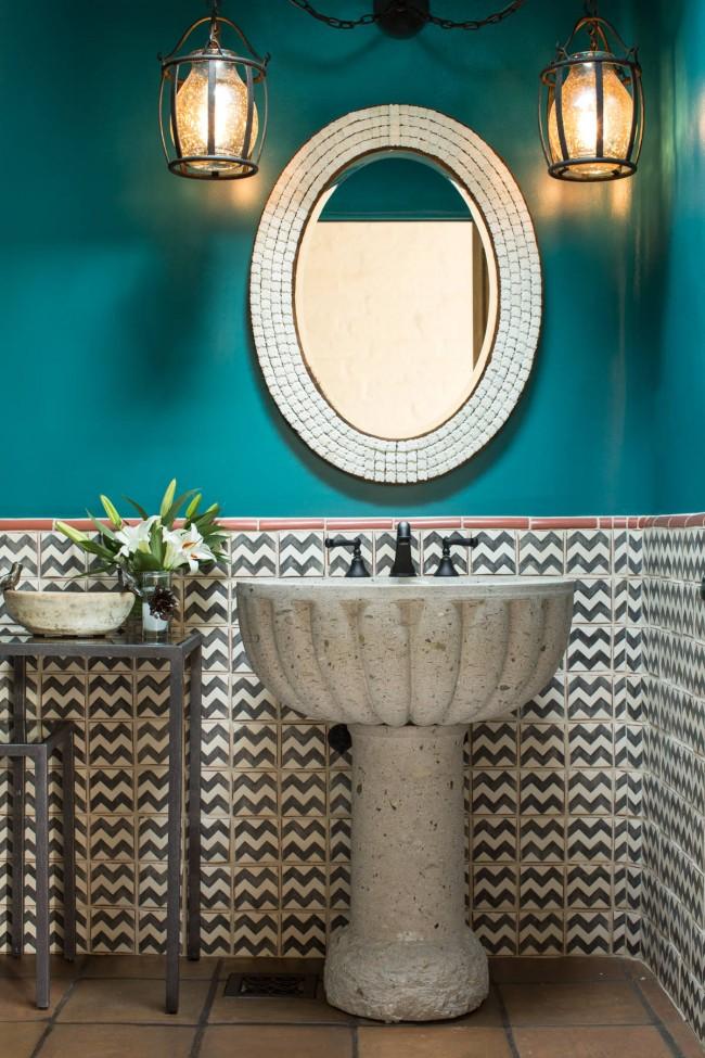 Черты средиземноморского стиля в отделке и аксессуарах ванной комнаты