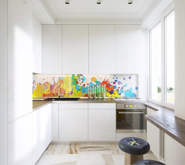 """В тренде оформления кухонь сегодня """"total white"""" (полностью белый). Разбавить белый можно таким ярким стильным стеклянным фартуком"""