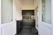 Фото 23 Стильный интерьер кухни 9 кв. метров: принципы организации пространства для комфорта всей семьи (фото)