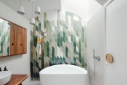 Фото 25 Акриловая ванна: существующие размеры и правила постоянного ухода (120 фото)