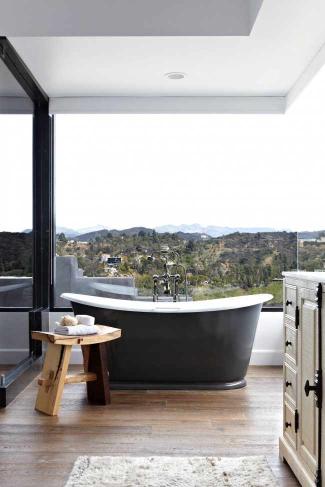 Чугунные ванны выглядят очень благородно, но они ограничены в дизайне