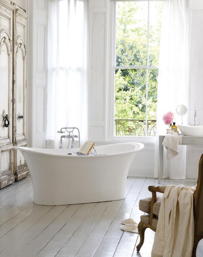 Изящная ванна в дизайне комнаты прованс