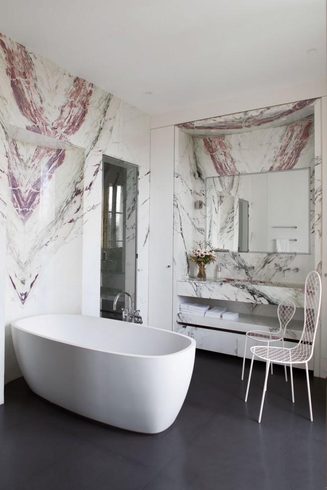 Расцветка камня придаёт общему стилю комнаты оригинальности