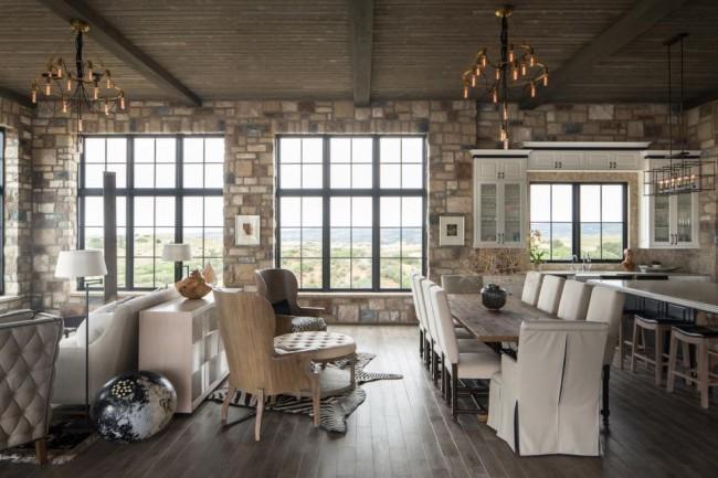 Благодаря предметам интерьера и отделки стен в одном помещении возможно совмещение нескольких стилей